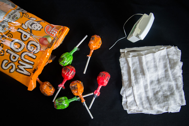DIY Lollipop Ghosts